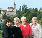 Travelers Donna Streibach, Rahr, Yale and Louise Backus Lonsbury (WCAS57) enjoy a Dordogne afternoon.
